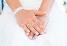 Zestaw do manicure hybrydowego, czyli co potrzebujesz, by wykonać zabieg w domu?